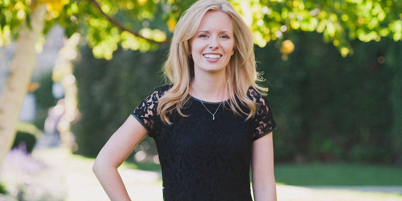 Canadian Epilepsy Alliance awards Bursary to Dr. Amy Wilkinson.